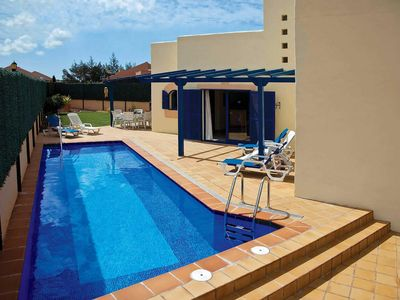 Photo for 3 bedroom Villa, sleeps 6 in Corralejo with Pool and WiFi