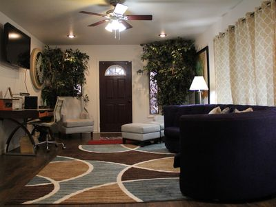 2 Br- 1 Ba  Upscale Crosstown w/ Hot Tub  Sleep up to 10 guests