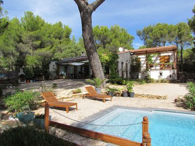 Photo for Beautiful villa with pool ideally located, quiet and close to beaches.