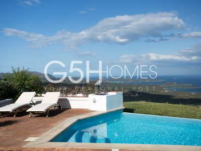 Photo for Elegant, very reserved, perfect for families, infinity pool, Jacuzzi, garden BBQ