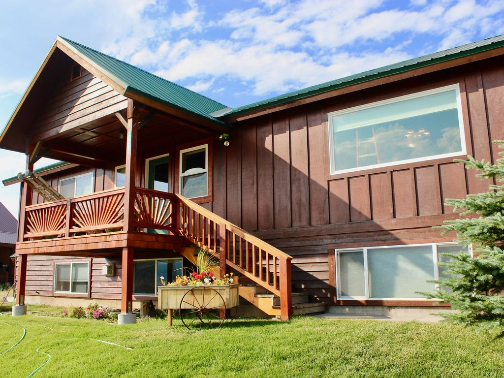 Lake Haven Luxury Cabin 4 Bedrooms Wifi Two Living Areas Vrbo