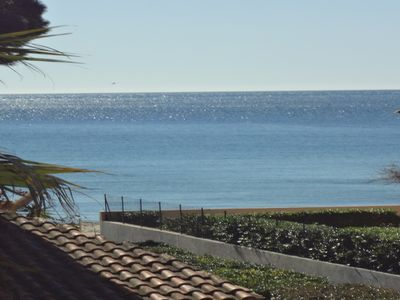 Photo for Mas (80m2) equipped, comfortable, sea view, 30m from the private beach and direct access