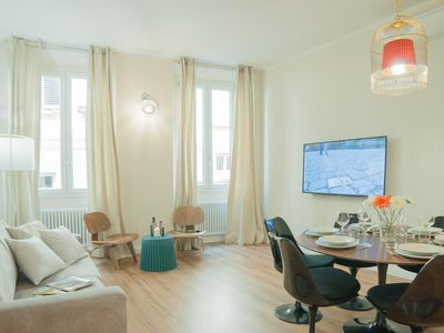 Photo for Delightful apt Lordship Square Palazzo Vecchio - 6 people 3 bdrs AIRCONDITIONING