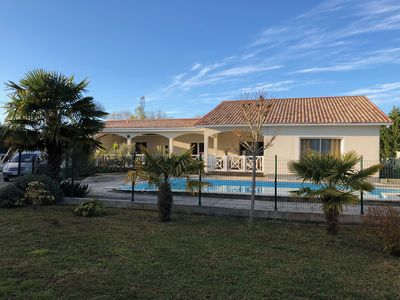 Photo for Villa Bassin d'Arcachon full foot 225 m2, 4 bedrooms and swimming pool.