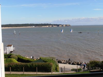 Photo for St Georges, sea facing apartment with parking, quiet, 3 min beach, tt on foot