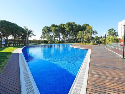 Photo for Beautiful apartment for 4 people with pool, hot tub, WIFI, A/C, TV, balcony and parking