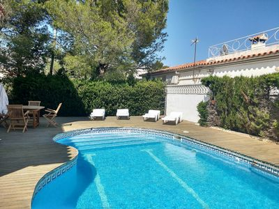 Photo for Detached villa for 8 pax at 1000m from the beach, Barbeque private pool