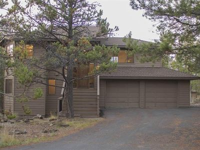 Photo for Wonderful home in the heart of Sunriver, near Fort Rock Park