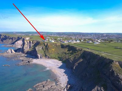 Photo for Cliff top location, this stunningly presented studio sits above a dramatic beach near Bude.