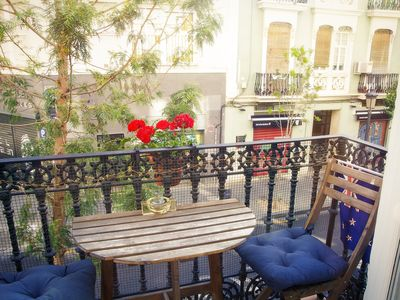 Photo for Cruz del Sur, stylish apartment in central Ruzafa