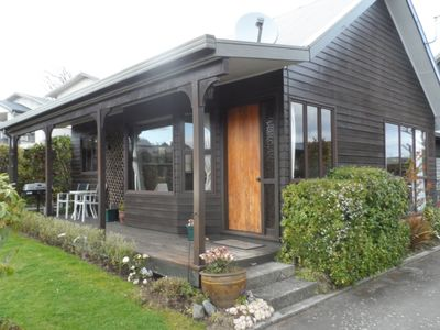 Photo for Taupo cottage- self contained, by lake, quiet area