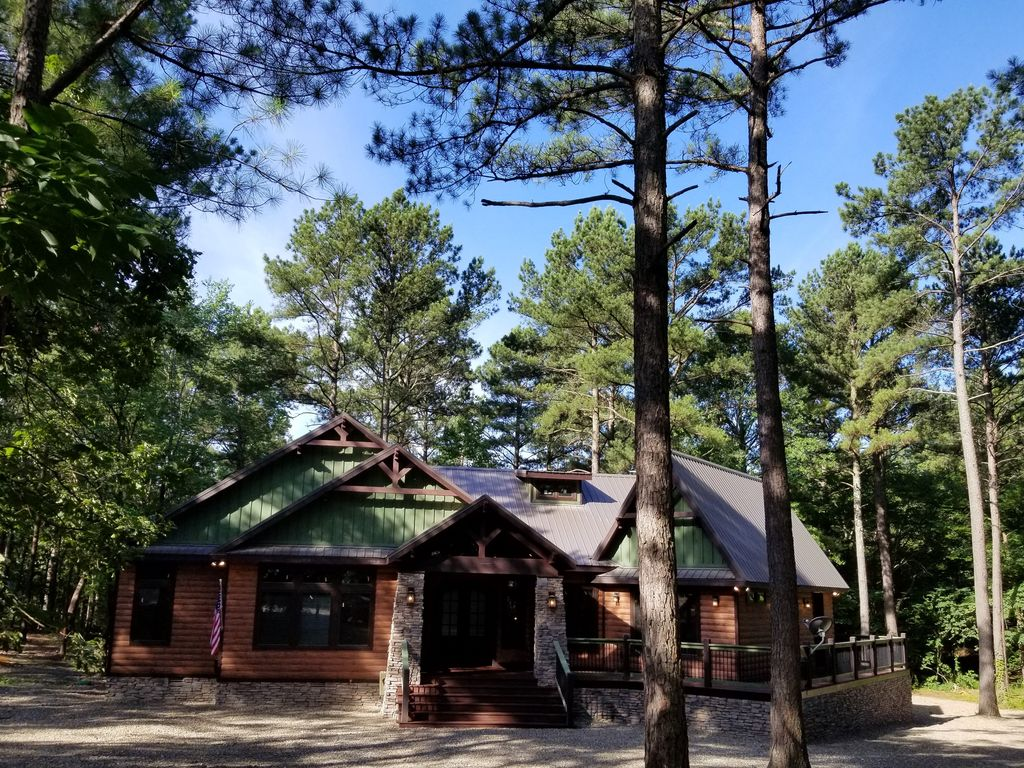 Brand New Family Friendly 3 Br 3 1 2 Bth Cabin Game