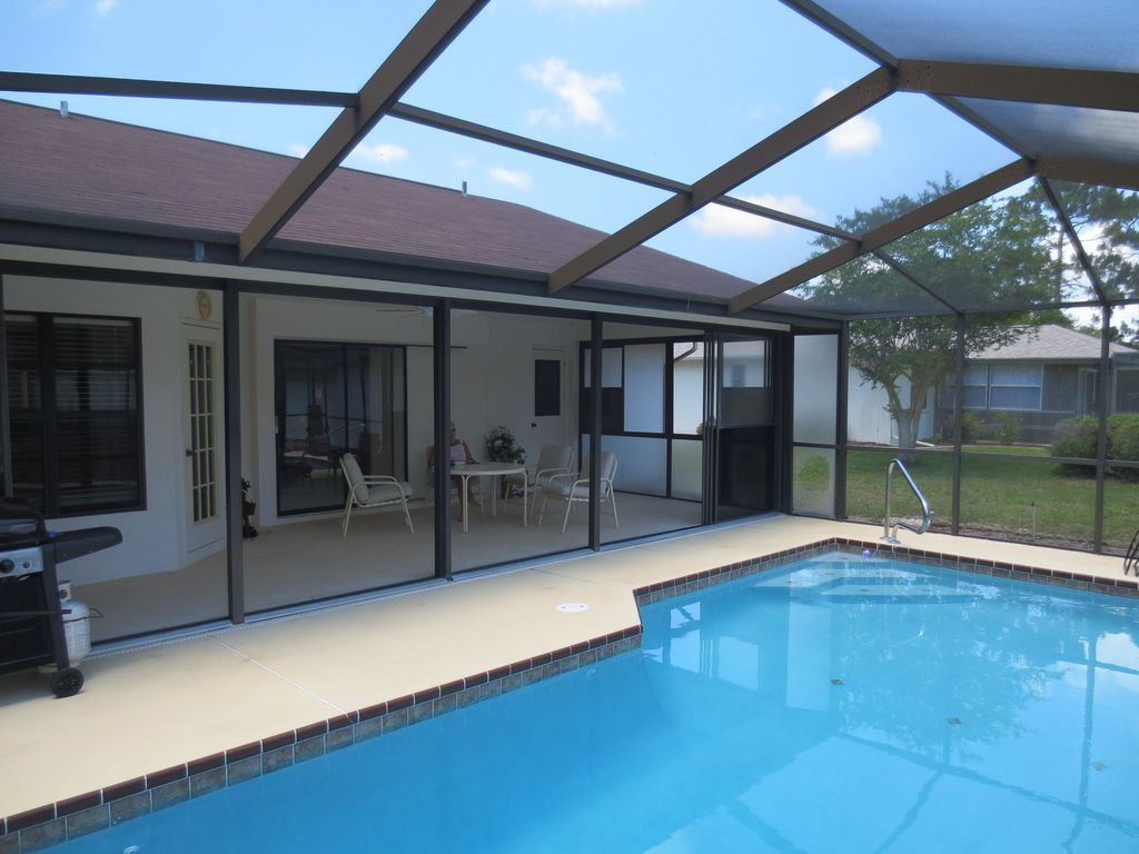 3 bedroom pool home spring hill spring hill florida for 3 bedroom house with pool
