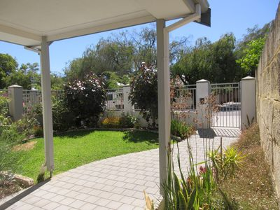 Photo for Beautiful & spacious home. 10 min from Perth CBD!