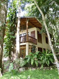 Cangrejal River Lodge in Pico Bonito, on Rio Cangrejal, Pool