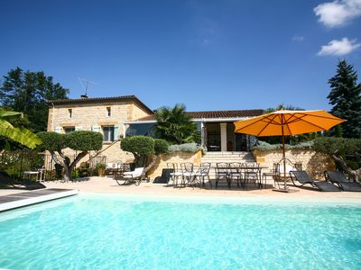 Photo for Villa of charm on the heights of Sarlat with heated private swimming pool