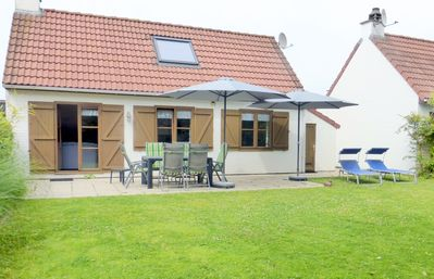 Photo for Sunny holiday home for 6 people, near the beach, the holiday park Zeebos, Free Wi-Fi