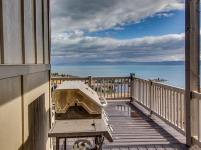 Photo for Lakeview vacation home w/shared pool and hot tub & panoramic views