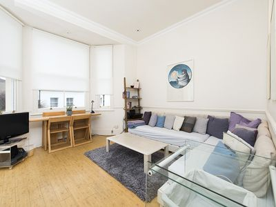 Photo for 2 bedroom flat in the heart of Kensington!!