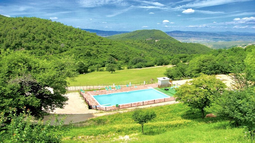 spectacular views/large pool/dish washer/Wifi/Spoleto:7mls