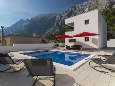 Photo for NEW * House with  pool in a quiet position, three bedrooms, 6 pers.