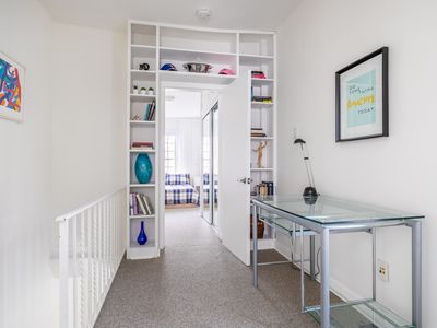 Photo for Beautiful Two Level House in Yorkville!