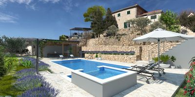 An old and just renovated Dalmatian stone house with beautiful stone wallas