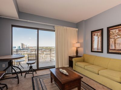 Photo for 11h-Floor Studio w/ Gulf Views, Private Beach Access, Rooftop Pool & Spa