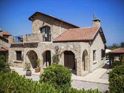 Beautiful 3 bedroom traditional Villa with Private Pool, Sea and Mountains View