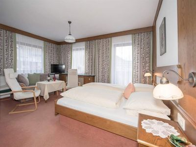 Photo for Spacious double room with shower and toilet, balcony - Weinschreiber, Apart & Pension ***