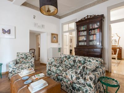 Photo for Apartment Alle Colonnelle in Roma: Centro Storico - 6 persons, 3 bedrooms