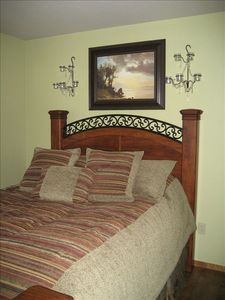 Spare bedroom with comfy queen bed