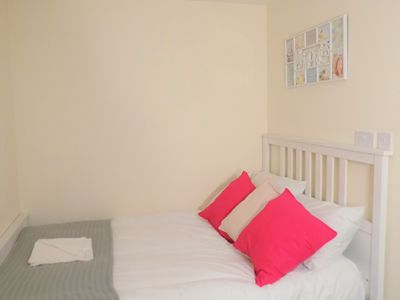 Photo for Ensuite Double Bedroom close to Warwick Uni