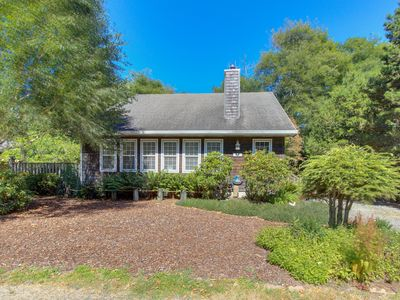 Photo for Dog-friendly, sunlit home w/ two decks - 75 yards from the beach & Proposal Rock