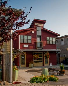 The new Main Street Station features four fully equipped guest apartments.
