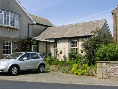 Photo for IVY COTTAGE, pet friendly, with a garden in Chathill, Ref 4158