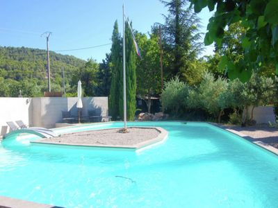 Photo for Beautiful, detached Provencal Mas with beautiful private pool near Villecroze