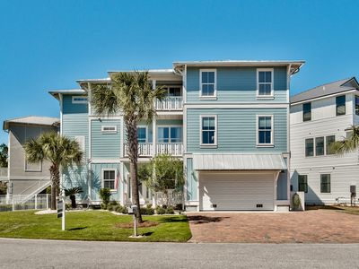 Photo for 5+ Bedroom, On the Pool, 1/2 mi to beach, Golf Cart, Bikes!