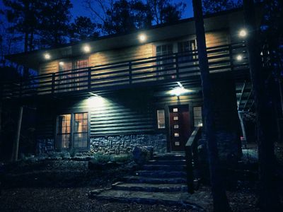 Matt's Cabin - beautiful custom-built Hochatown haven, sleeps 6, great location