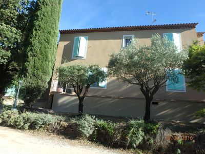 Photo for LA CRAU - Between Hyères and Le Pradet: Nice volumes for this T2 in rez of garden