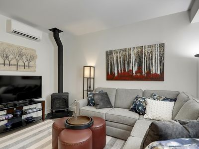 Base Camp at Village Walk - Elegant Village Condo