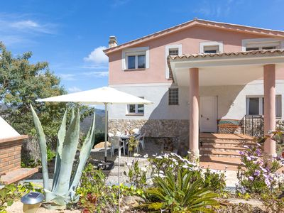 Photo for Comfortable, detached villa with private pool near Lloret de Mar