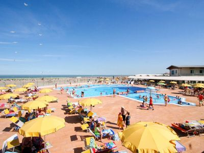 Photo for One bedroom Apartment, sleeps 4 in Rosolina Mare with Air Con and WiFi