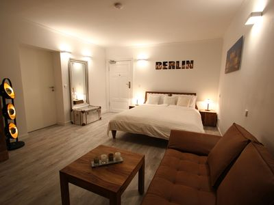 Photo for Bandel Minerva II apartment in Mitte - Tiergarten with WiFi & lift.