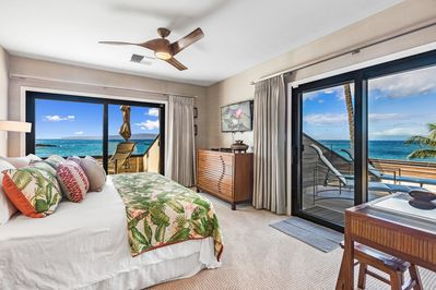 Corner master bedroom with access to two lanais and fabulous ocean views