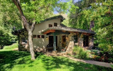 Creekfront Luxury Nestled in Oak Creek Cyn, Sedona (Pet Friendly)