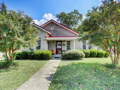 Photo for Cozy Fayetteville Home w/Yard - Close to Downtown!