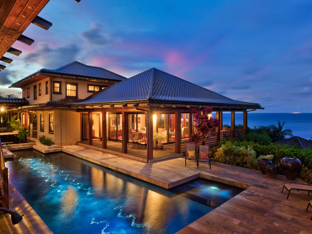 Ocean views with pool and hot tub koi ponds and more for Koi and pool