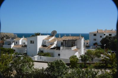 Starfish Cottage - 2 bed 2 bath with balcony and sea view  Ocean Club pools  - Luz