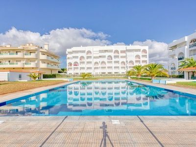 Photo for One bedroom Apartment, sleeps 4 with Pool and Air Con